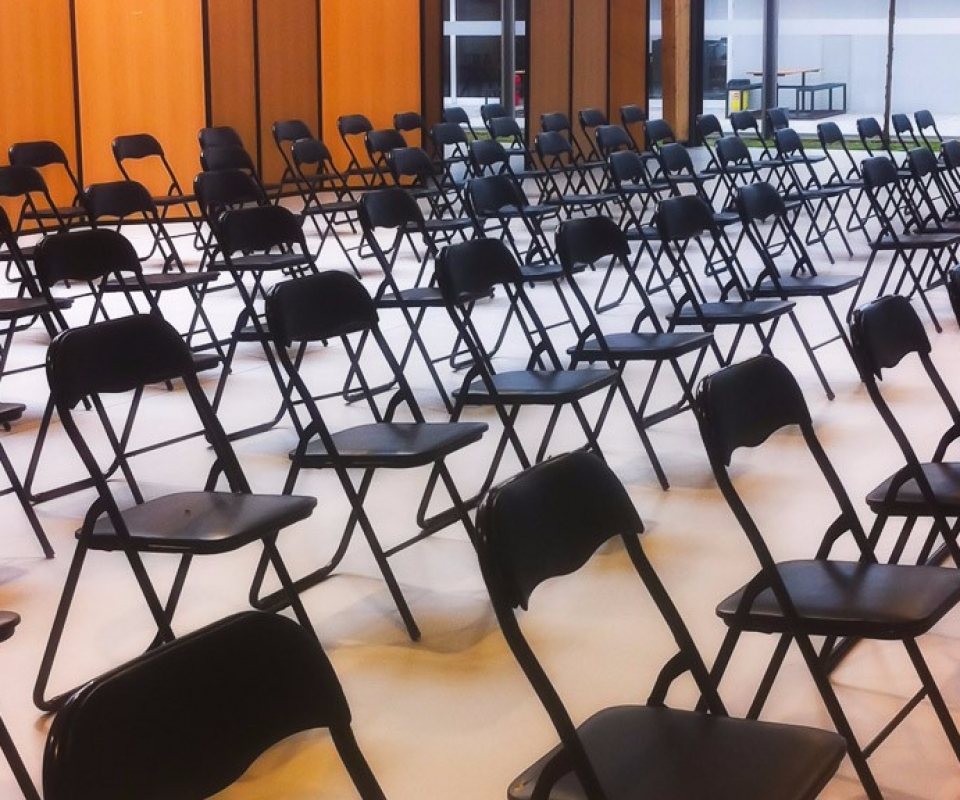 Cadeiras pretas-cobersun-co_pia